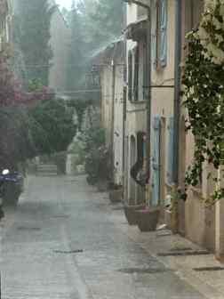 St Tropez im Regen