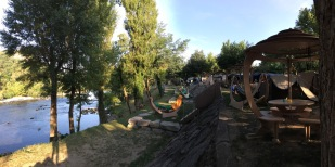 L'Ardéchoise - Premium Plus am Fluss